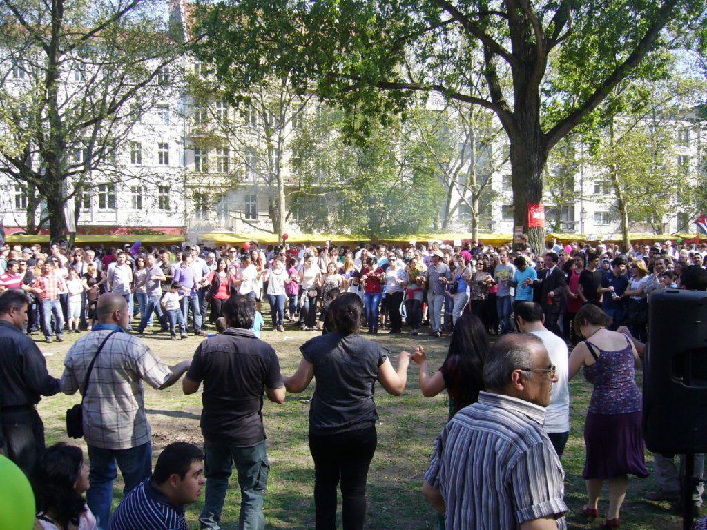 Traditioneller türkischer Tanz auf dem MyFest