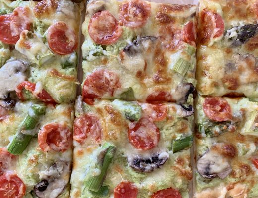 Spargel-Tomaten-Pizza
